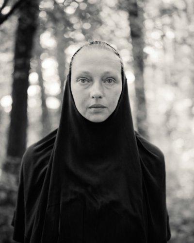 """Artista britanică Alys Tomlinson primește distincția """"Fotograful Anului"""""""